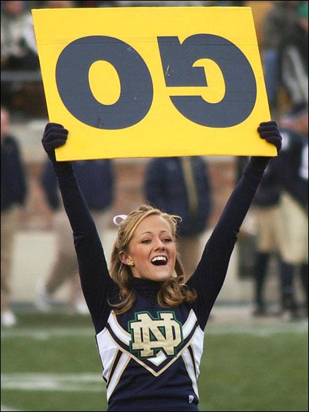notre-dame-cheerleader