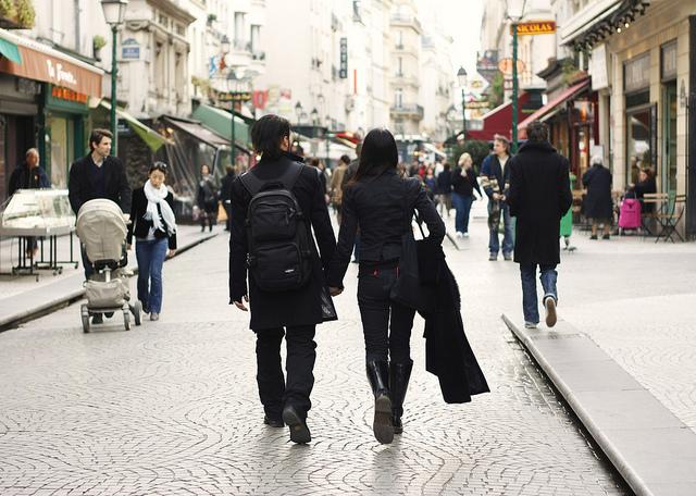 paris strolling