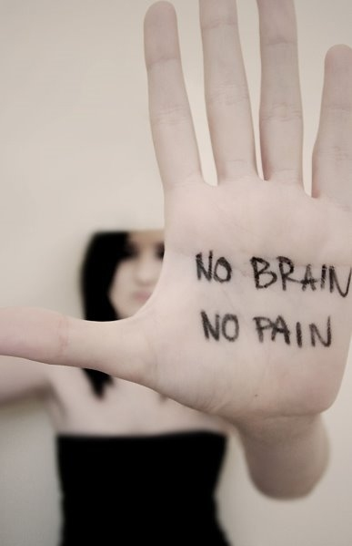 body making a brain pain
